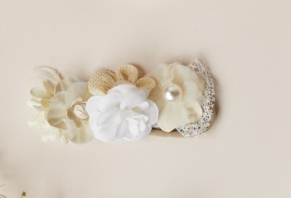 7009 Balaca flores beige bautizo min